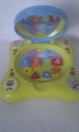 Adorable My 1st 'Waybuloo' Magic Mirror Electronic Learning Laptop Toy